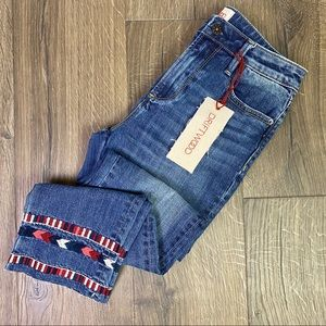 NWT Driftwood Colette Embroidered Hem Jeans